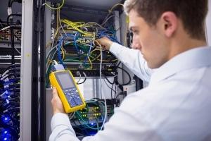 Netzwerkkabel & Serverschrank